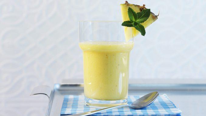 Licuado de ananá, pepino y limón